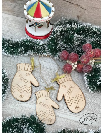 Decoratiune pentru brad manusi Family
