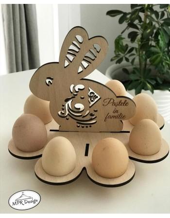 Iepuras din lemn cu suport pentru ou