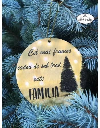 Glob din lemn color Familia