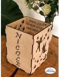 Felinar din lemn personalizat pentru camera copilului