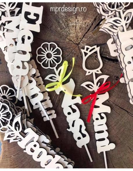 Flori din lemn personalizate