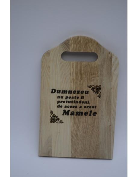 Dog din lemn gravat